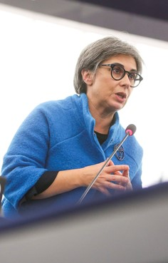União Europeia deve pressionar o Irão a cumprir as convenções internacionais
